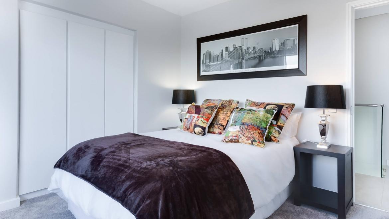Bedrooms & Living Rooms